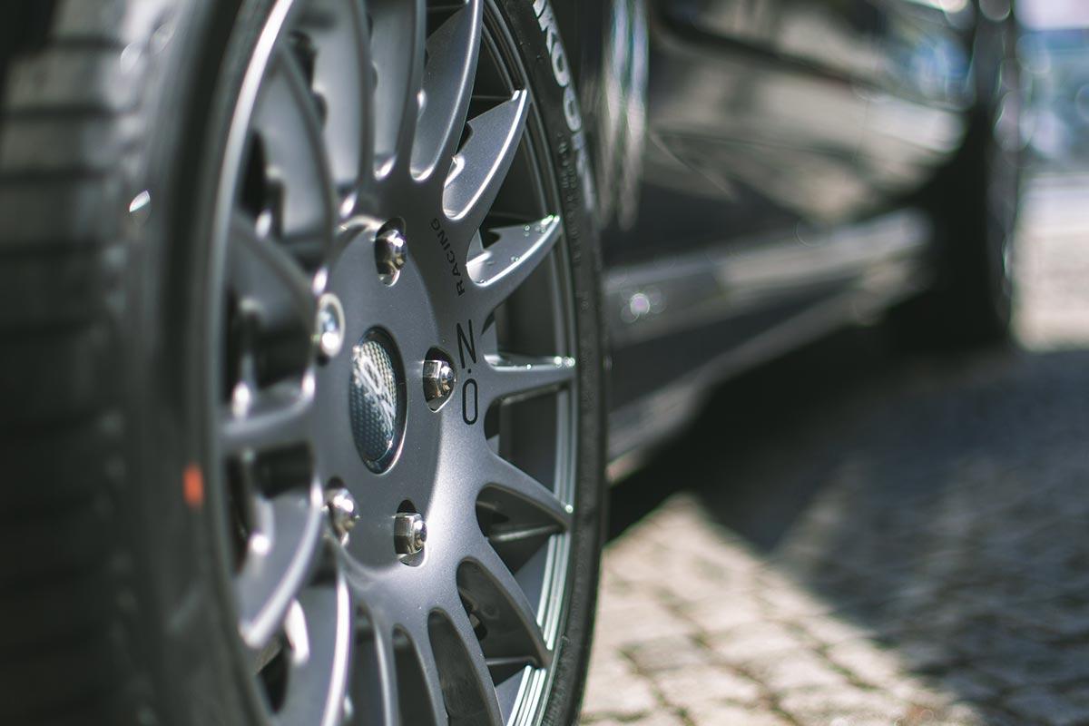 "18"" exclusive anthracite oz racing alloys"
